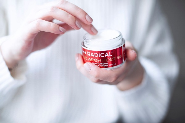 Лучшие кремы для кожи лица после 50 лет от Farmona